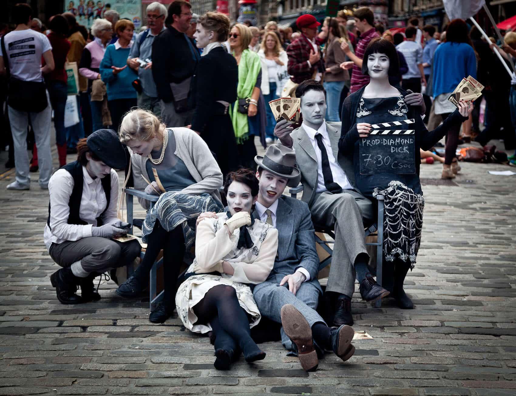 Fringe-Festival-Edinburgh-street-performers-870127-by-Luxstorm-via-pixabay-Public-Domain